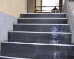 Dallage d'un escalier extérieur.